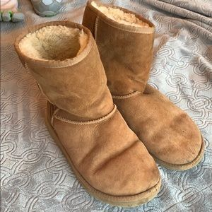 Ugg classic short chestnut boots sheepskin